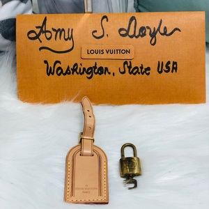 Small Luggage tag and lock set